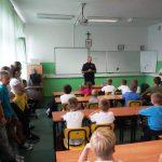 Spotkanie z policjantem – bezpieczna droga do szkoły